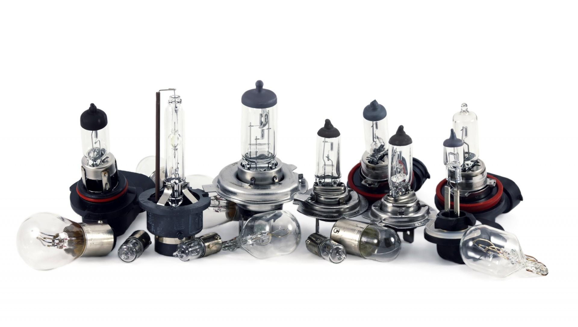 Serie lamp halogenowych i ksenonowych marki Tungsram
