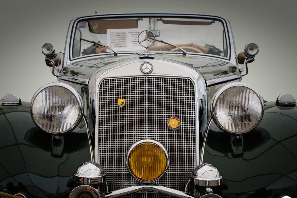 Światła wstarych samochodach